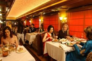 luxury train tour